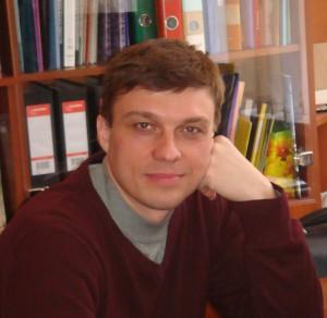 Олег Новак